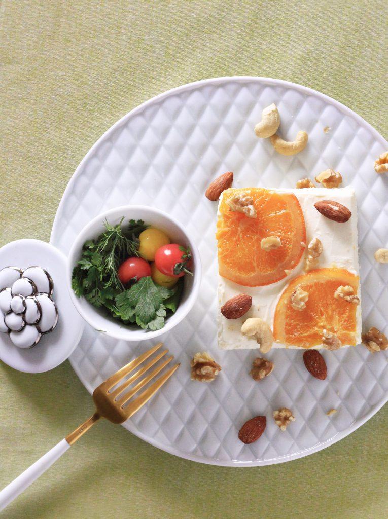 オレンジスライスジャムトーストを波佐見焼でワンプレート写真①