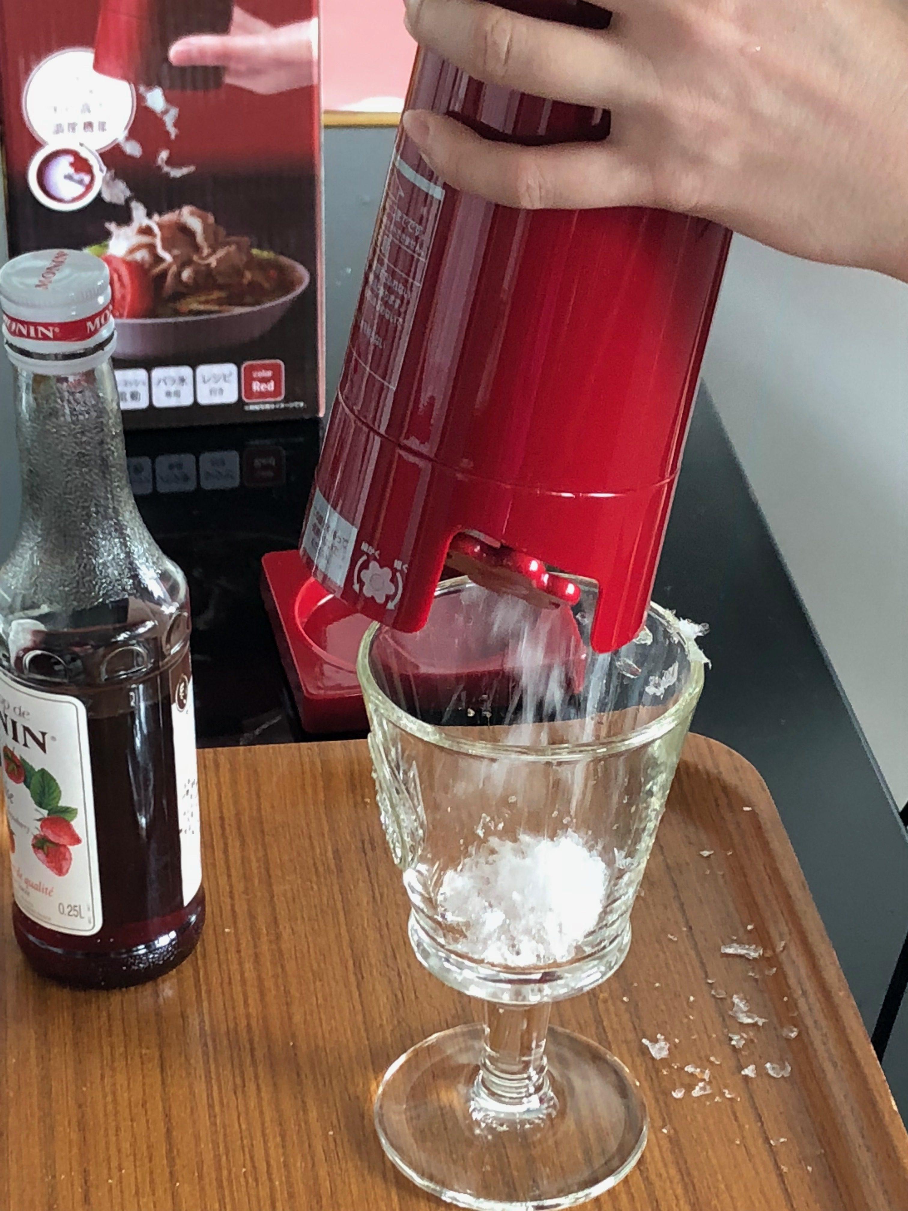 大人のかき氷器でワイングラスに1