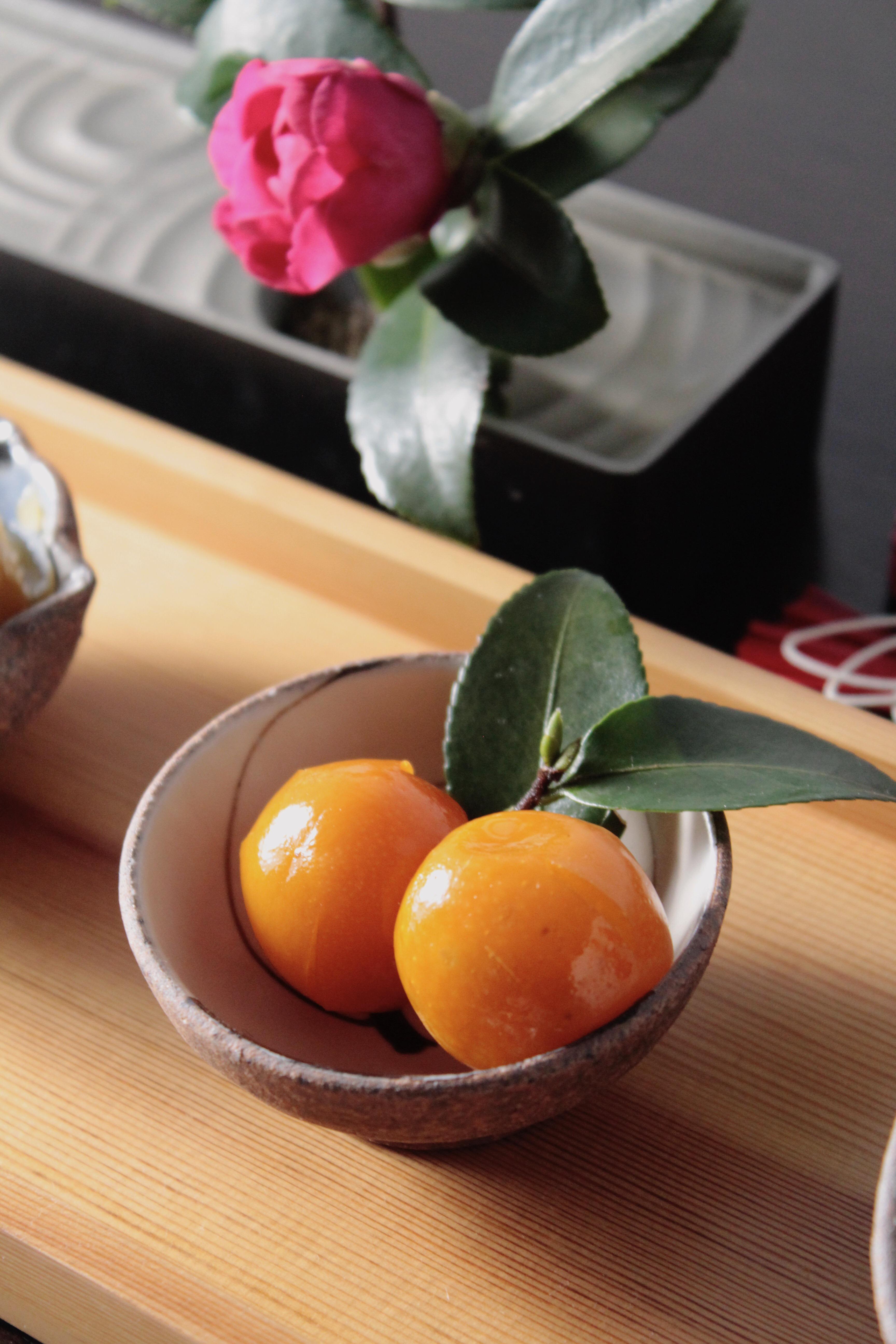 お節を小皿に盛り付け (5)