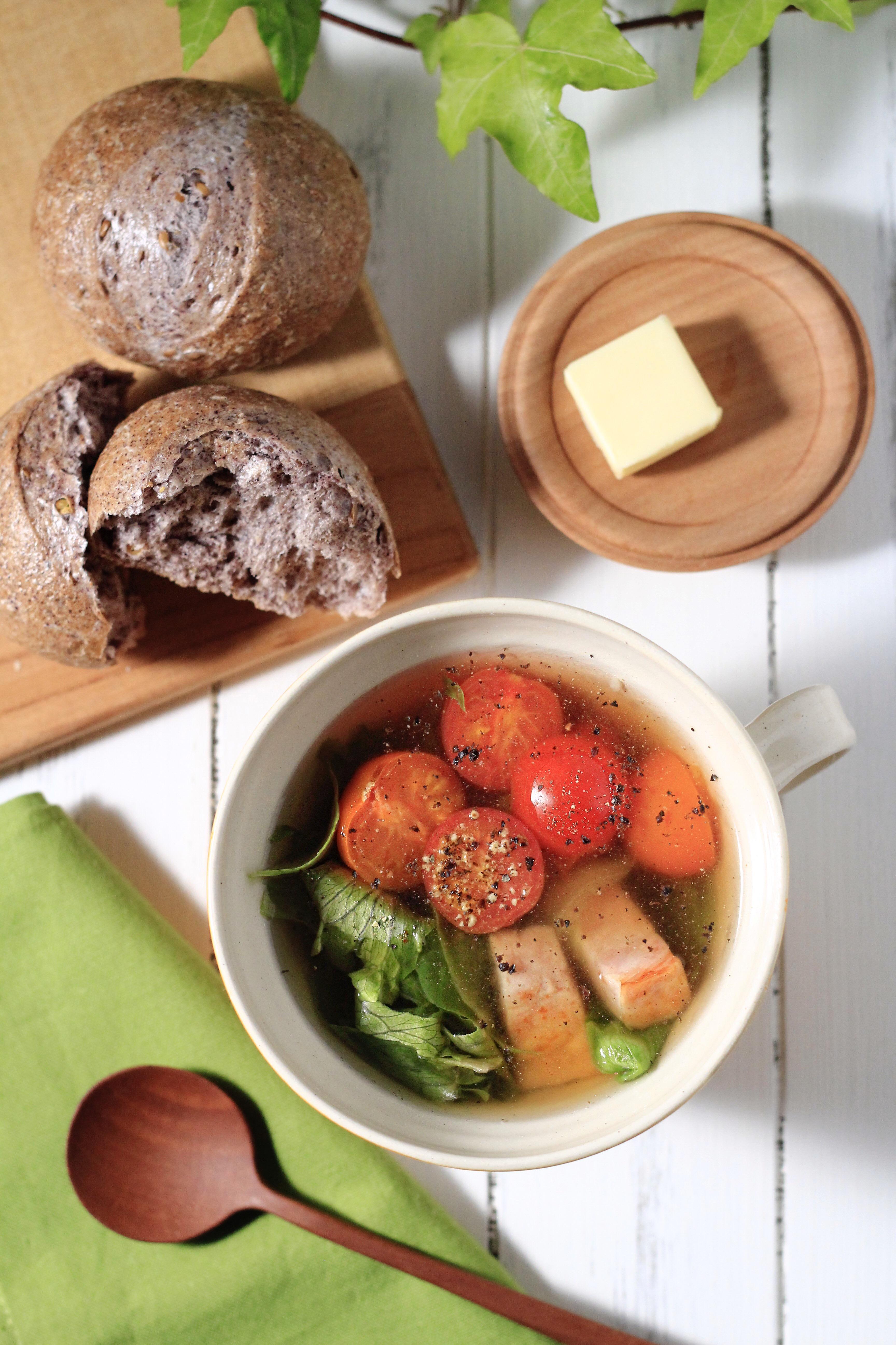 10分で出来るトマトとレタスのペッパースープ