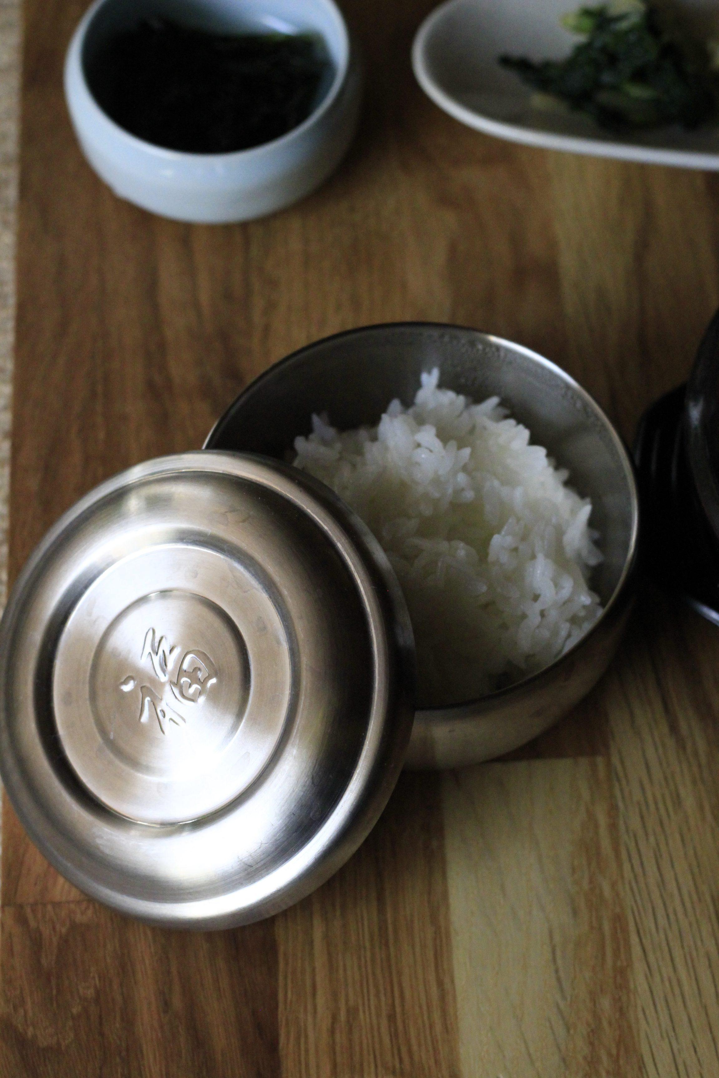 韓国食器のステンレス飯碗