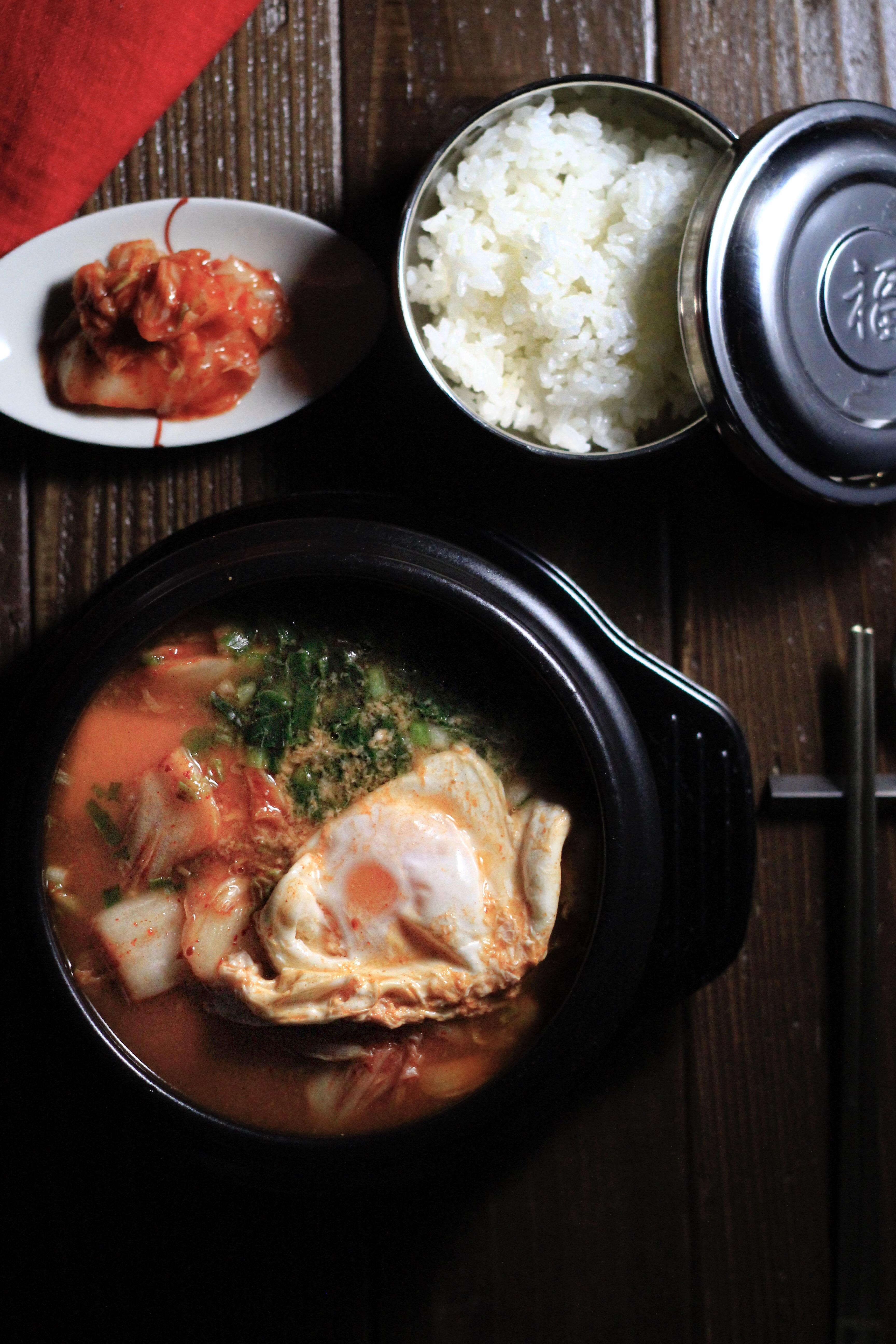 韓国料理テーブルコーディネート