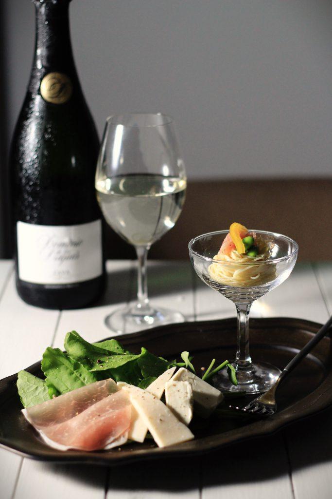 冷やし麺コンテスト!シャンパングラスで和えるだけ冷製パスタ