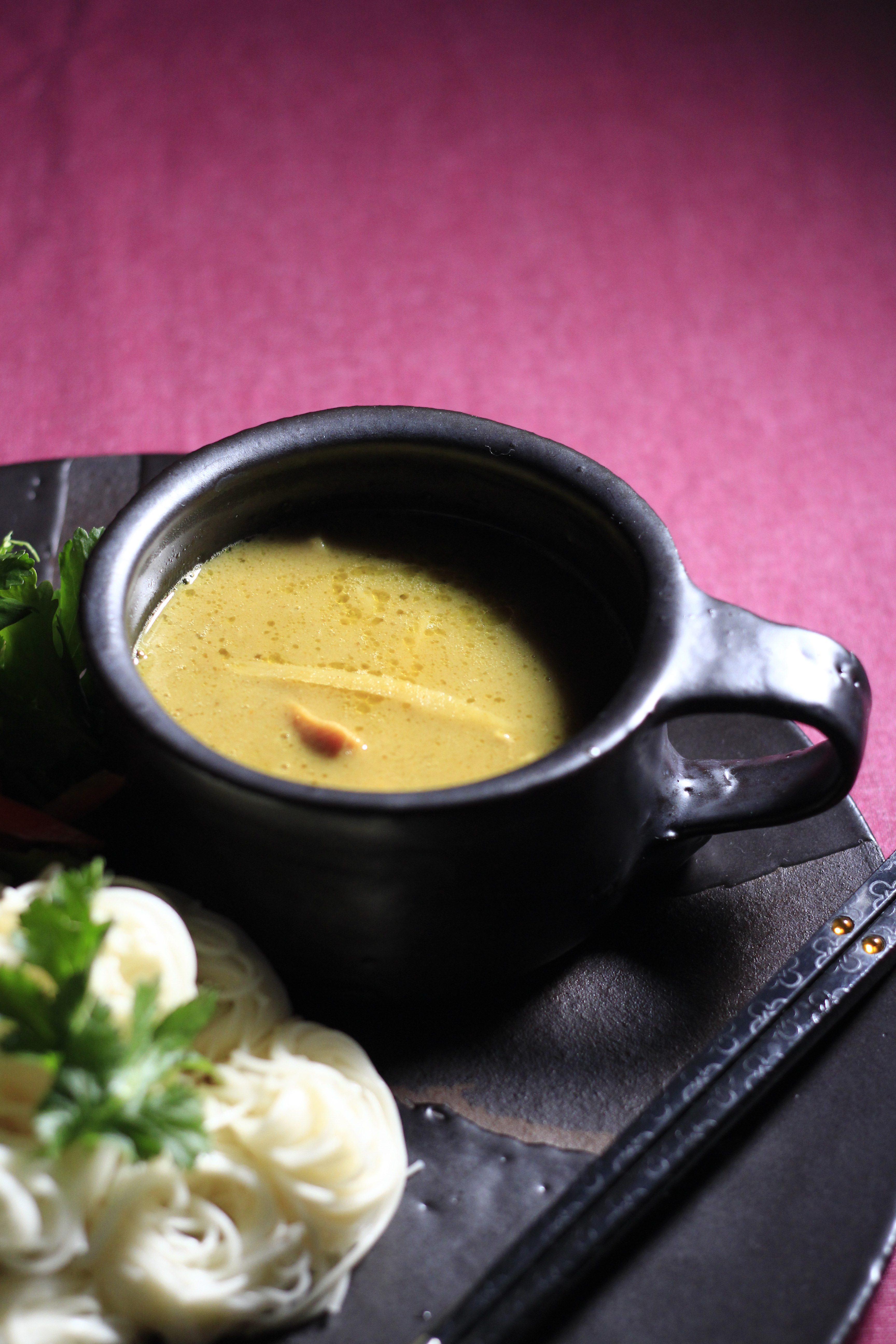 大嶺工房のやちむん黒いスープカップ