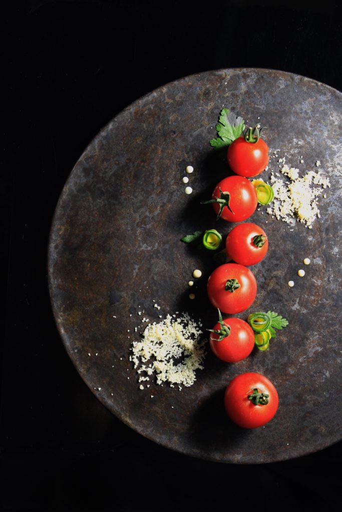 ①トマトとカボッコリーのプレート