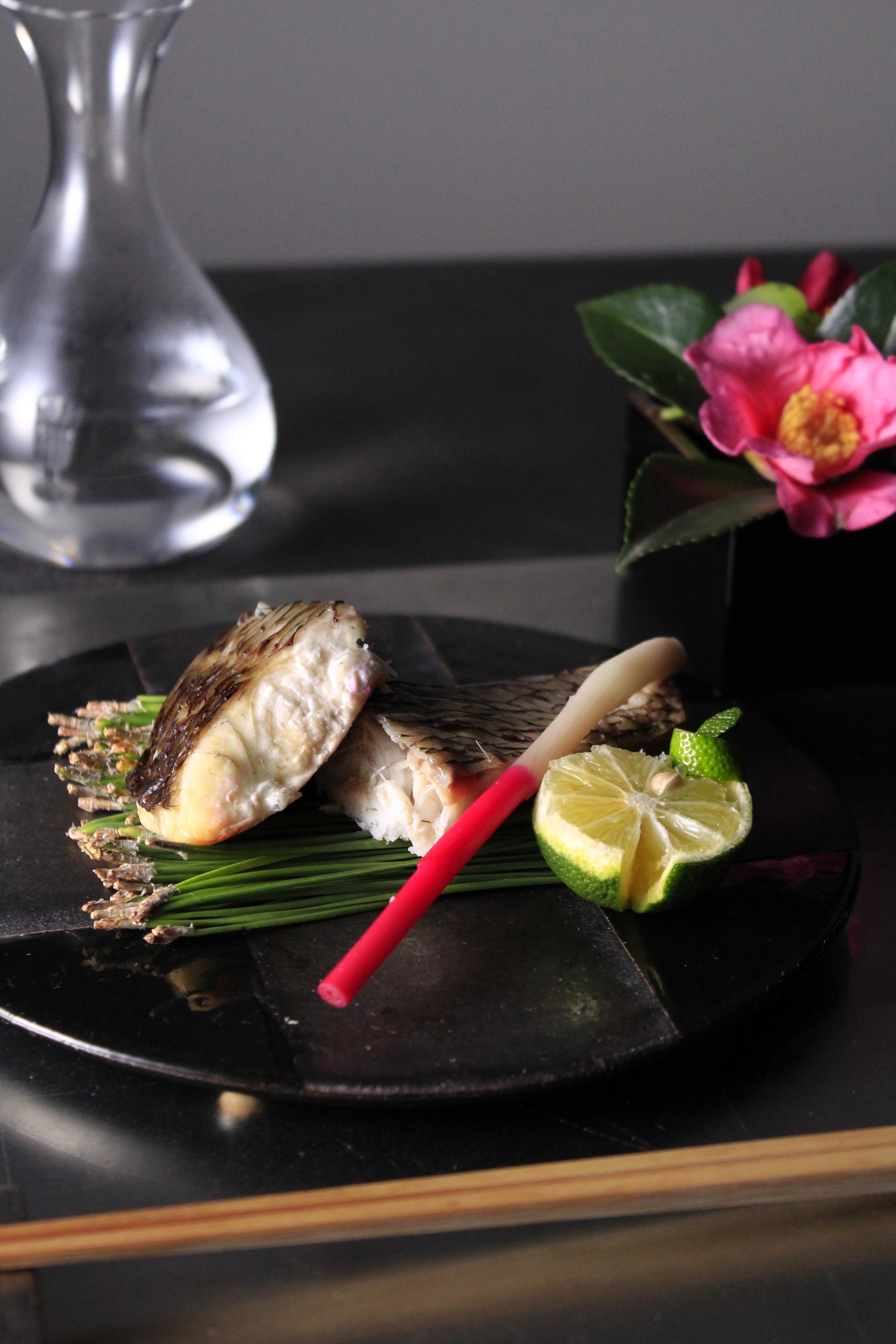 買ってきた焼き魚を盛り付け⑤
